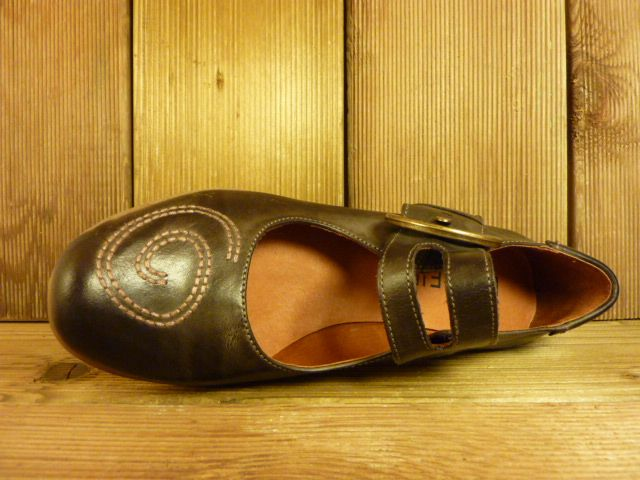 Double You Schuhe by Dessy Spangenschuh braun mit Stickerei Ballerina Pumps Damenschuhe