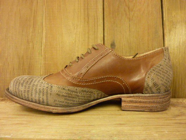 Double You Schuhe by Dessy Damenschuhe zum Schnüren rehbraun beige Zeitungsdruck Budapester mit weichem Fussbett