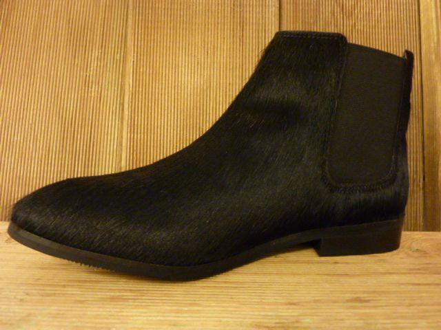 Lazamani Schuhe Stiefeletten aus schwarzem Fell Chelsea Boots