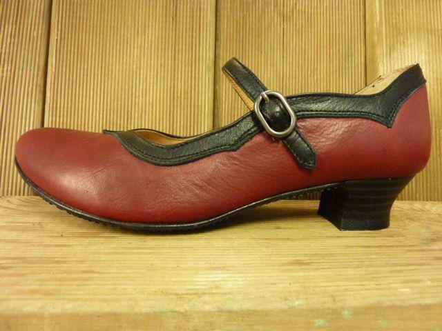 Double You Schuhe by Dessy Spangenschuh weinrot schwarz mit spanischer Trichterabsatz Pumps Damenschuhe