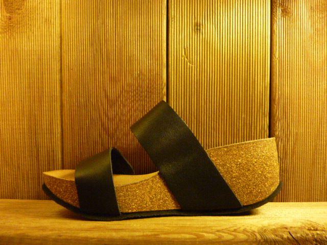 Double You Schuhe by Dessy Schwarze Sandaletten mit Kork-Plateauabsatz