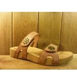 Josef Seibel Schuhe braune Leder Sandalen mit zwei Blumennieten und Klettverschlüssen