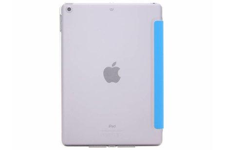 iPad (2017) hoesje - Blauwe transparante tablethoes voor