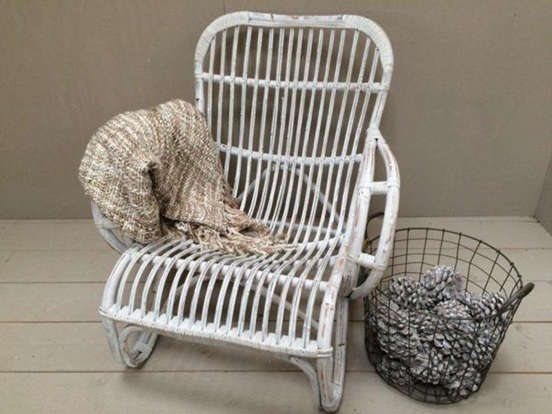 Witte rieten lounge stoel archidev