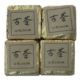 Old fermented Mini-Pu Erh brick 2005 (10 stuks)