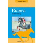 19. Bianca rijdt military