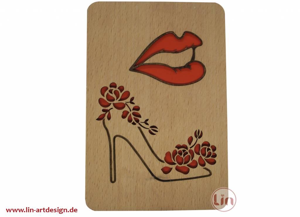 Grußkarte aus Holz, Lippen und Schuhe
