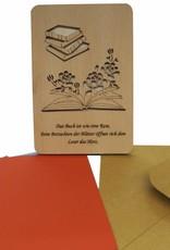 Grußkarte aus Holz, Bücher und Rosen