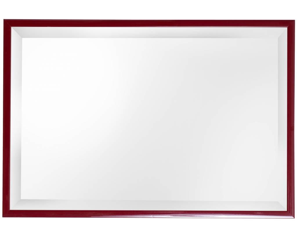 Levie betaalbare spiegel met smalle rode lijst