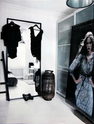 Spiegeltrends-2017-grote-spiegels-zwarte-lijsten