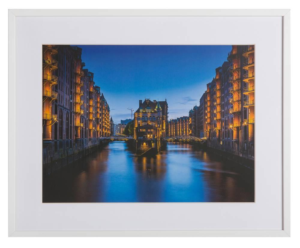 Hamburg by Claudio Testa