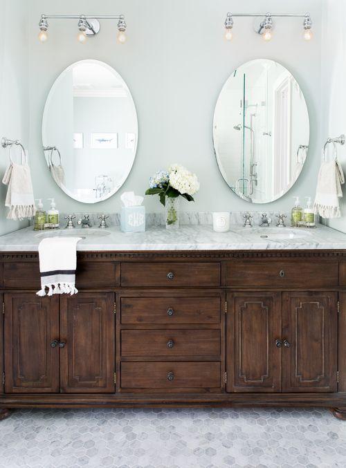 Ovale spiegel zonder lijst