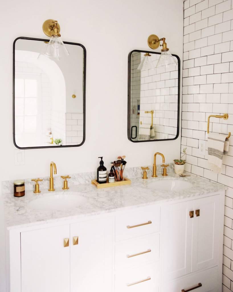 Spiegel Deedee - Moderne Spiegel met Gebogen Randen - Zwart Metalen Frame