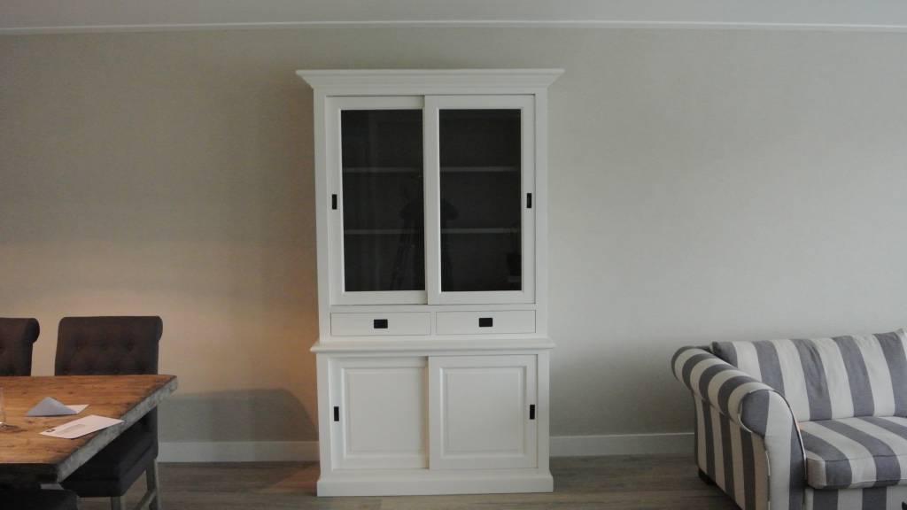 Winkelkast 135cm breed RAL9010 binnenzijde RAL7005