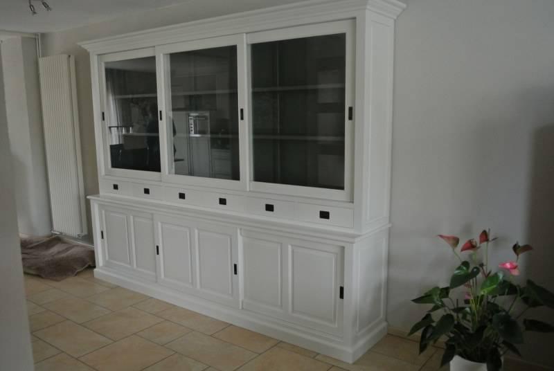 Winkelkast 295cm breed RAL9010 met de binnenzijde RAL7005