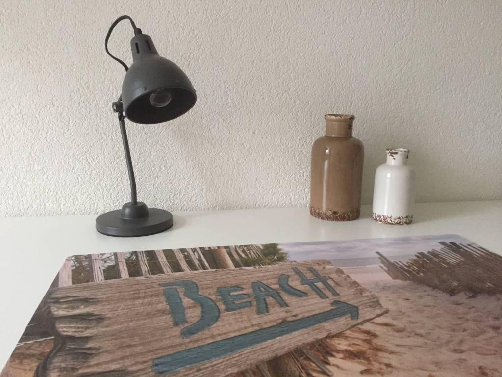 Bureau onderlegger to the BEACH