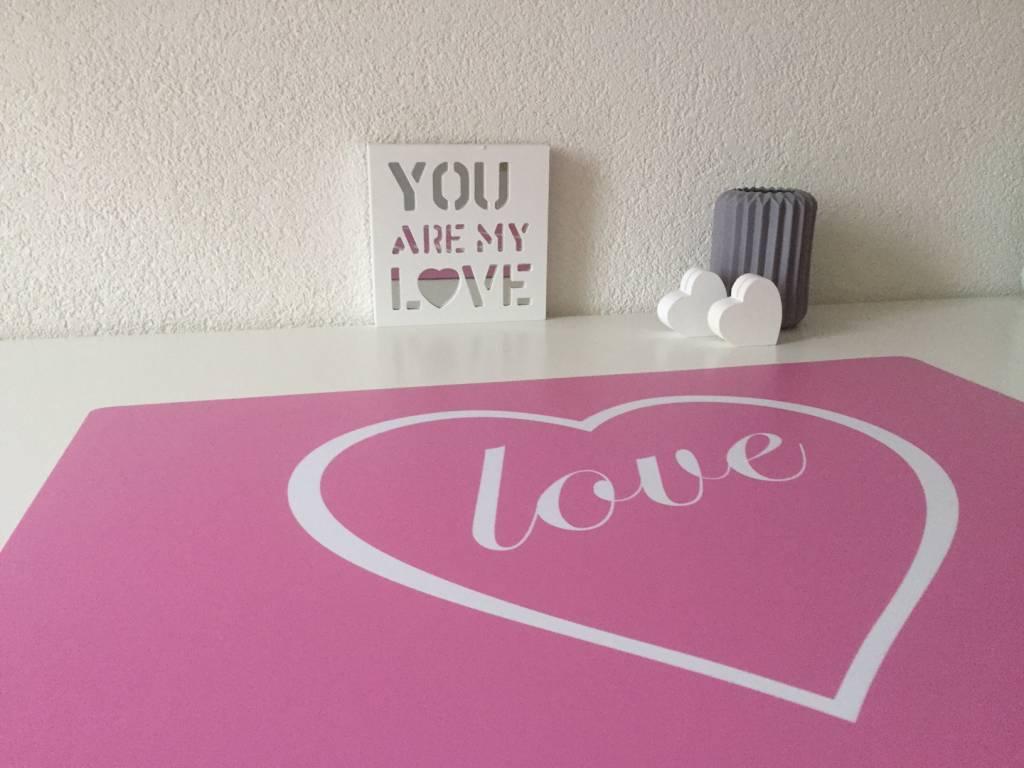 HippeKinderkamers Bureau onderlegger roze met HART en LOVE in wit, hio voor meisjes