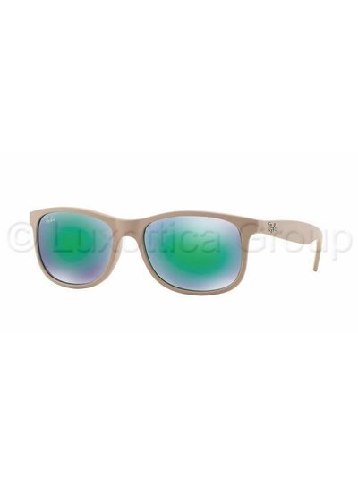Ray-Ban Andy - RB4202 61543R | Ray-Ban Zonnebrillen | Fuva.nl