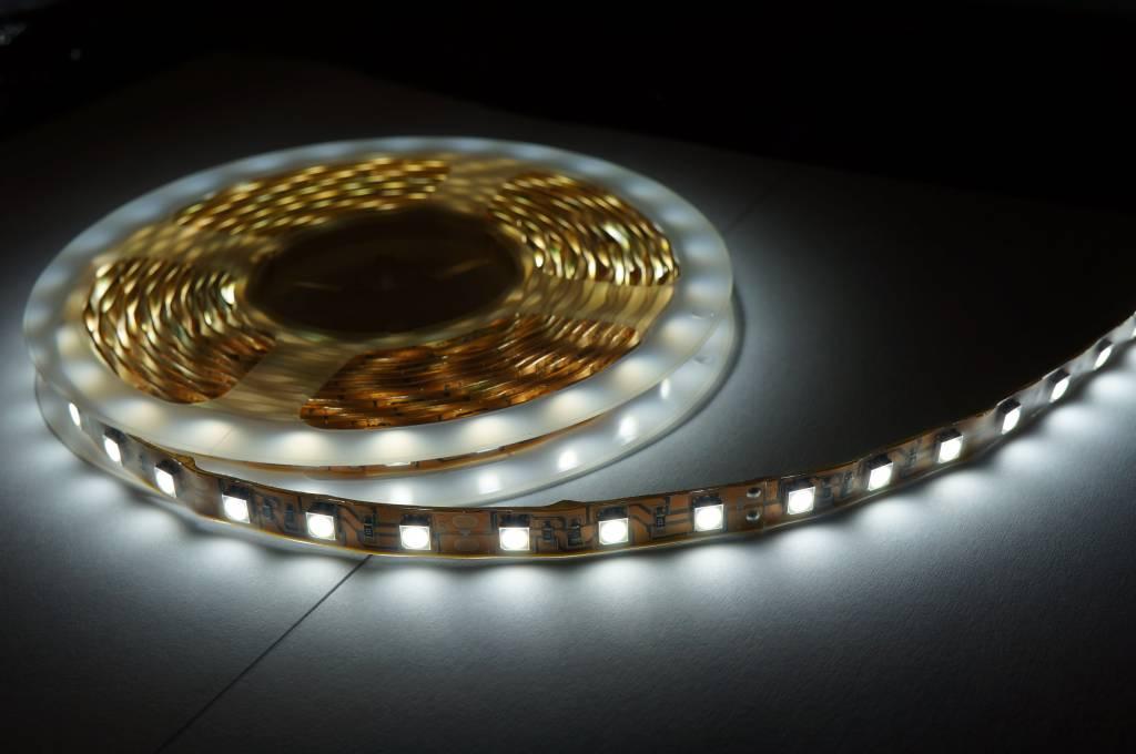 LED strip WIT 15W/m