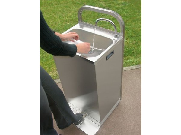 XXLselect Electric Mobile Sink - with Foot control + heated water