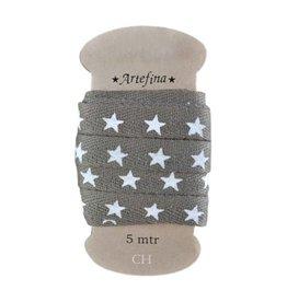 Artefina Star yarn in brown