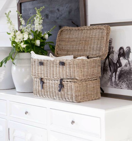 Artwood Basket with straps