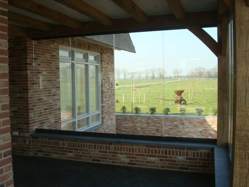 Sunflex Sunflex glaswand SF20 gemonteerd in Asten Heusden Brabant door A.G.A.Terras