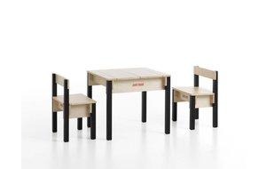 Kindertafel met 2 stoelen (licht kleurverschil)