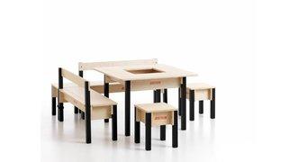 Kindertafel met 2 zitbanken met rugleuning