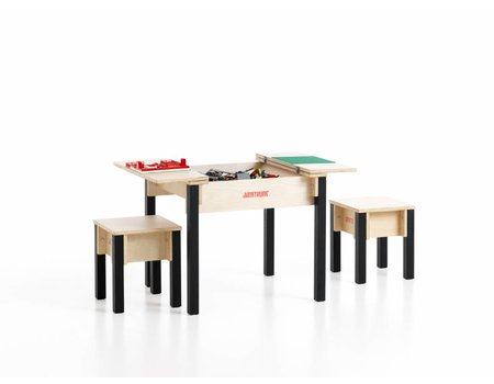 Kindertafel met 2 demo zitjes