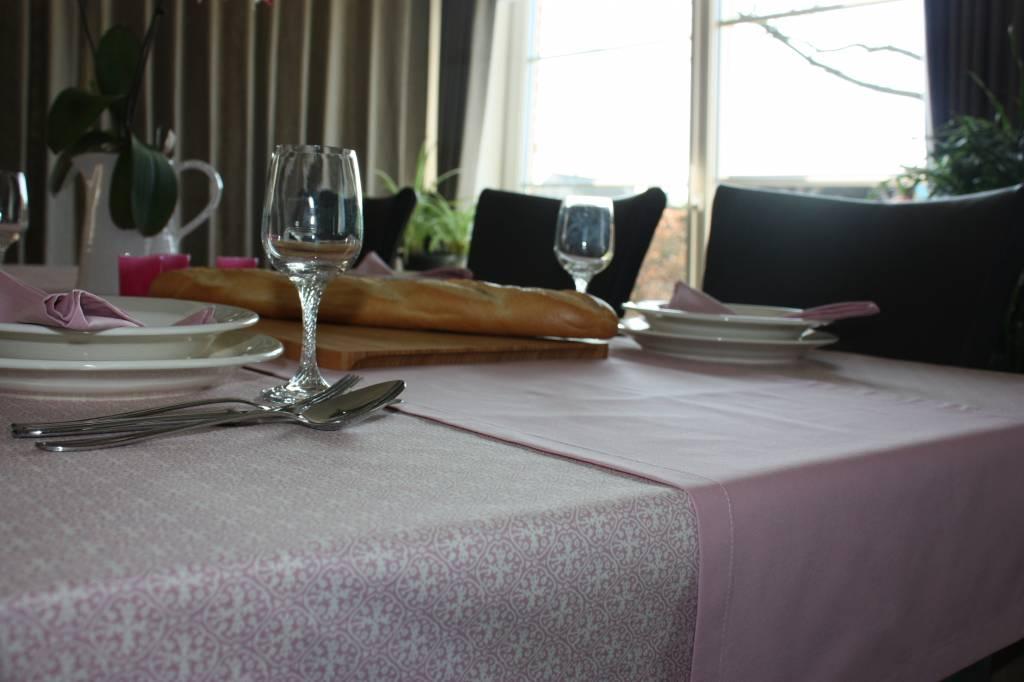 Tafellaken van biokatoen - Romantisch roze