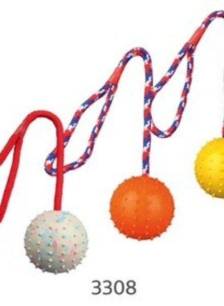 Trixie Ball am Seil