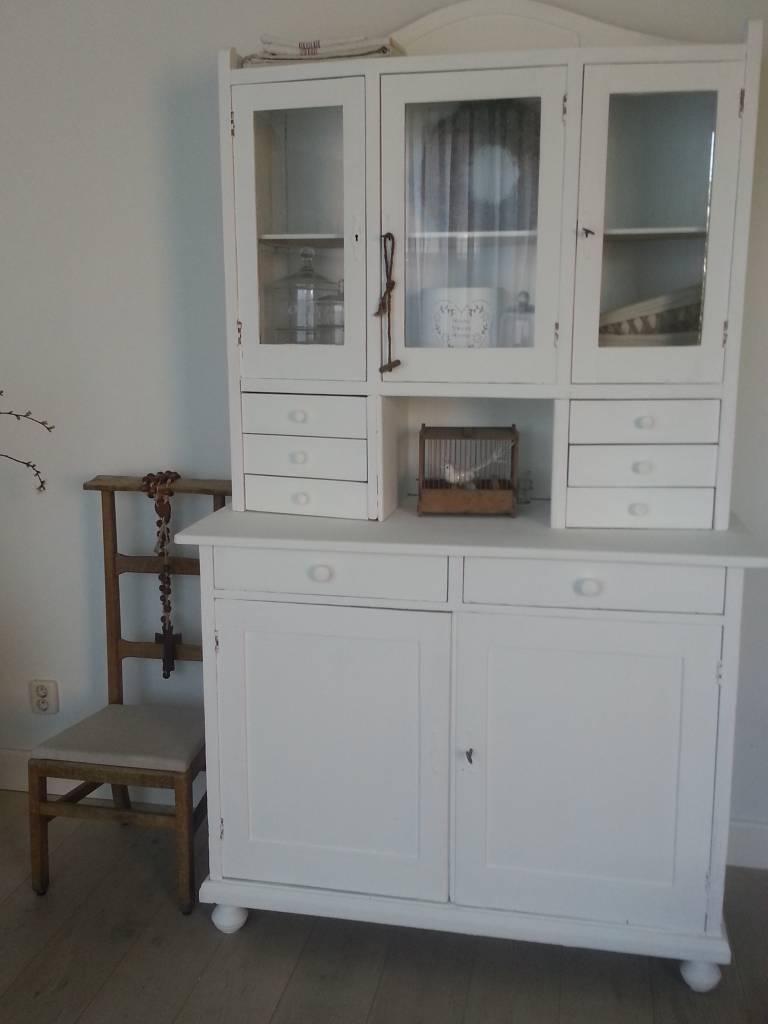 Brocante Keuken Handgrepen : Wit Keukenkast : brocante buffetkast vitrinekast keukenkast wit antiek