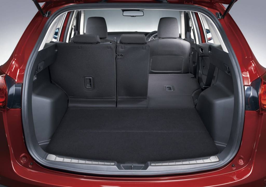 mazda cx 5 ladekantenschutz edelstahl kofferraum. Black Bedroom Furniture Sets. Home Design Ideas