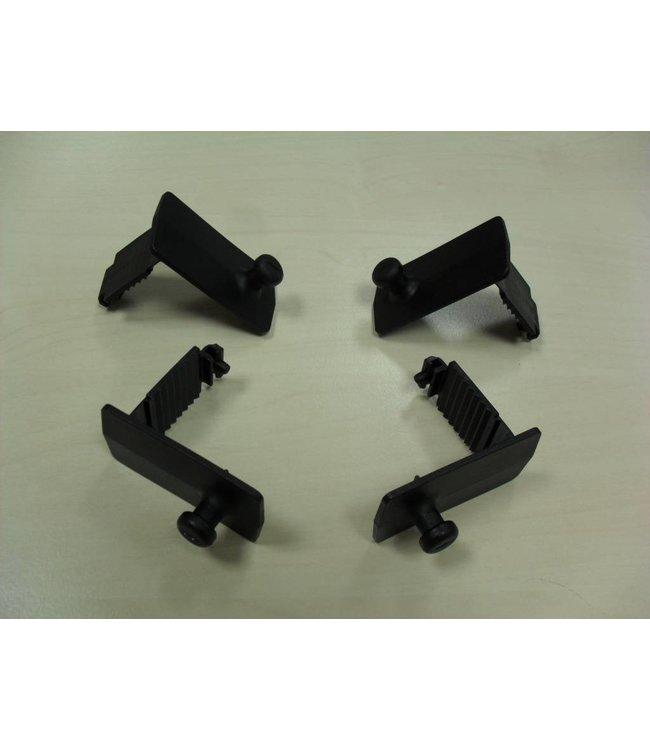 Mazda Fußmattenklammer (Satz 4 Stück) 1 x C830-V0-329
