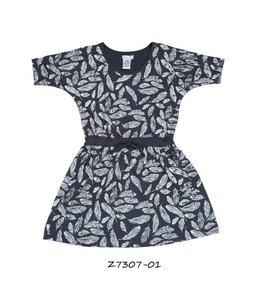 LoFff 60% korting: Blauw jurkje met veertjes en vleermuismouwtjes