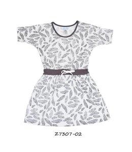 LoFff 60% korting: Wit jurkje met grijze veertjes en vleermuismouwtjes