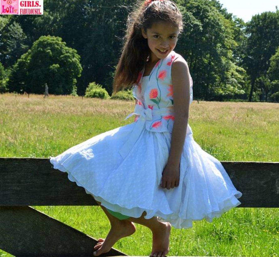 Mouwloos feestvestje in wit met borduursel van LoFff zomer