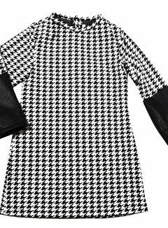 Soekartien -hand made  Zwart wit jurkje