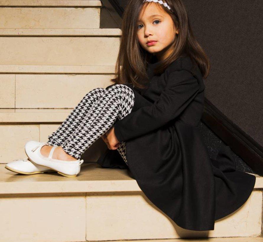 Zwart jurkje met klokrok uit de wintercollectie van Soekartien 2016/2017