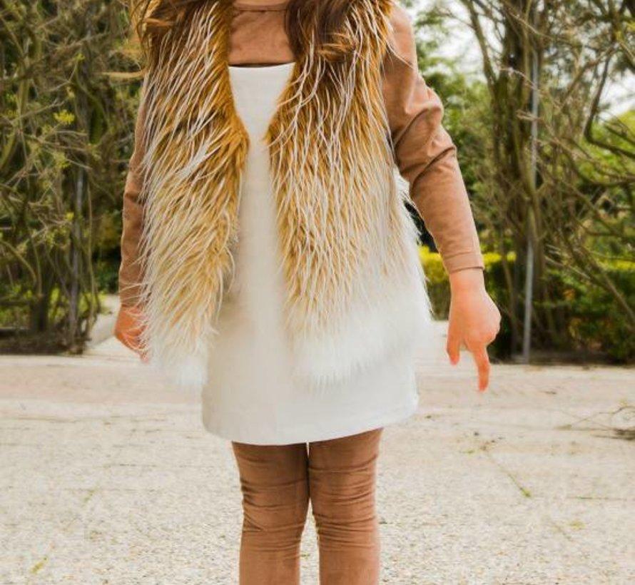 Offwhite suede jurkje uit de wintercollectie van Soekartien 2016/2017