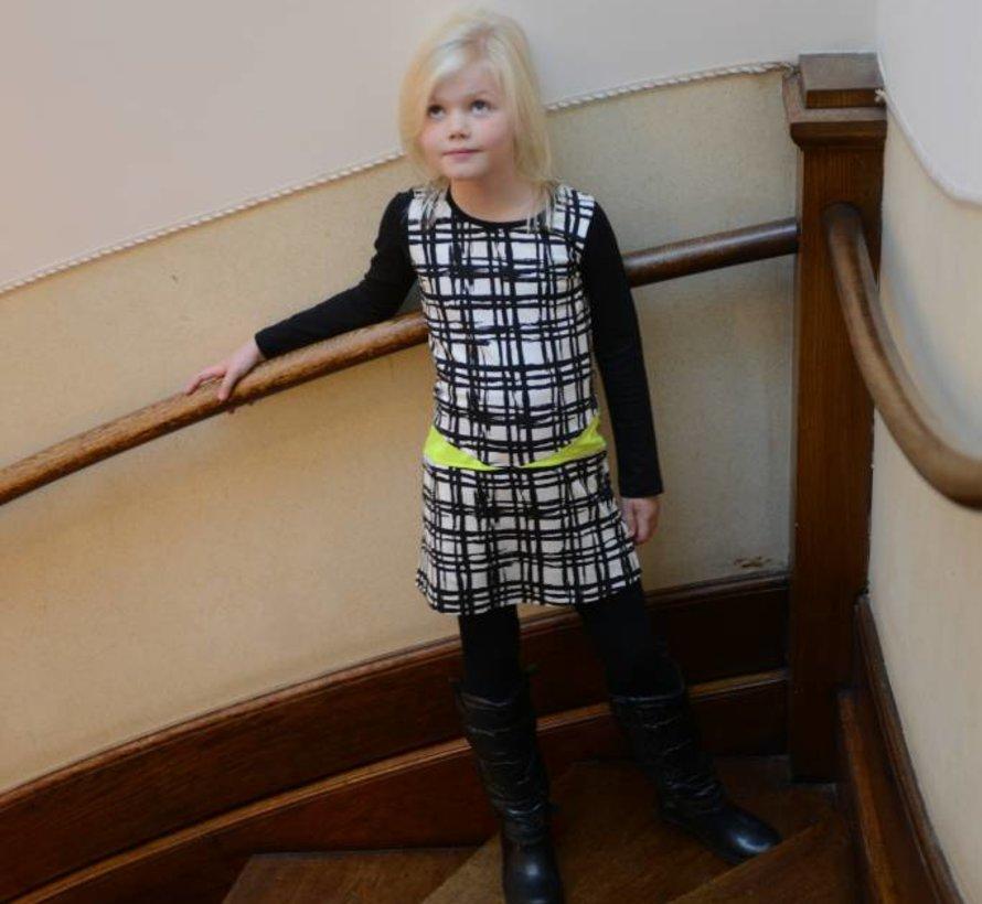 Zwart-wit jurkje  met neongeel van LoFff winter 2017
