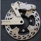 Discacciati Brake systems Hinterrad upgrade kit Triumph Thruxton, 4-Kolben-Bremssattel links, Bremssattelhalter, Scheibenbruch Spurverbreiterung und Distanz.