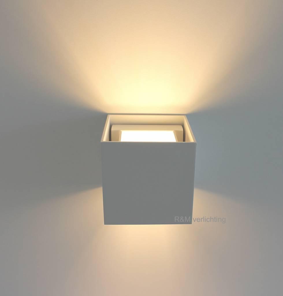 https://static.webshopapp.com/shops/023191/files/191551463/r-m-line-wandlamp-square-wit-g9-230v.jpg