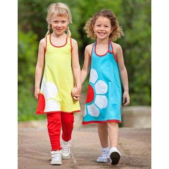 Aina´s favoriete jurkje + vrolijk slak speeltje