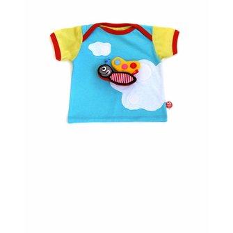 Hemels baby T-shirt met witte wolken en schattige vlinder