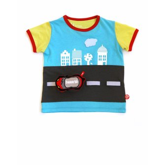 Playful T-shirt for children ¨Sightseeing¨ with car.
