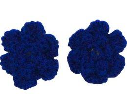 Drukkerapplicatie gehaakte bloempjes (per paar) kobalt