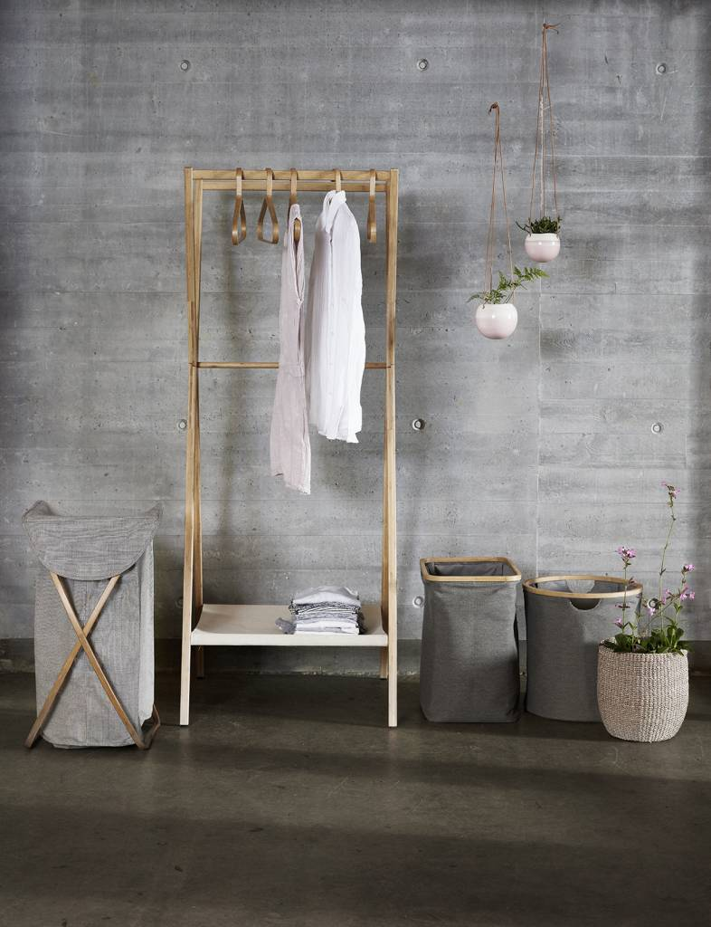 badkamer accessoires. wasmanden. Kies uit onze collectie van praktische, hygiënische en stijlvolle wasmanden. In verschillende kleuren en stijlen om bij elk interieur te passen.