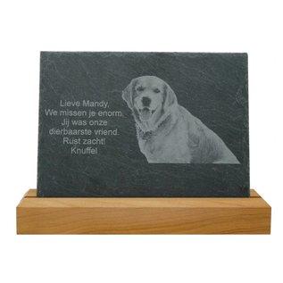Leisteen met houten standaard, 20x15x0,5cm